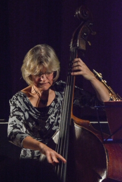 Marianne Windham performing with the Ridouts at Fleet Jazz Club on 15 Nov 2017. Photograph courtesy of David Fisher (Aldershot, Farnham and Fleet Camera Club)