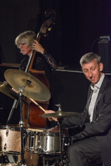 Steve Brown and Marianne Windham performing with the Karen Sharp Quartet at Fleet Jazz Club. Photograph courtesy of David Fisher (Aldershot, Farnham and Fleet Camera Club).